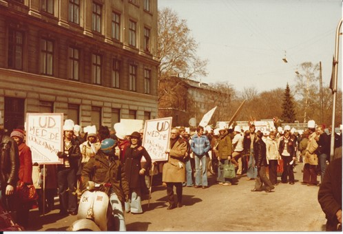 1_Picketing 1978.jpg